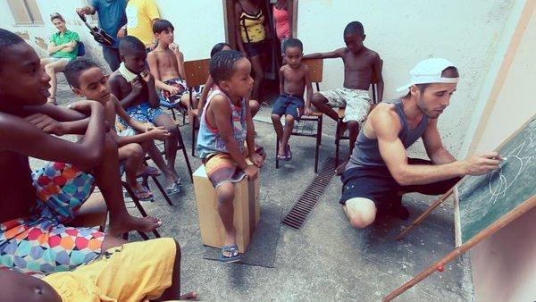 rsz_ivhq_brazil_teaching_545944764967c