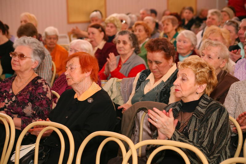 audience-audience-retired-elderly-world-war-ii-veterans-their-relatives-charity-concert-disabled-67057178